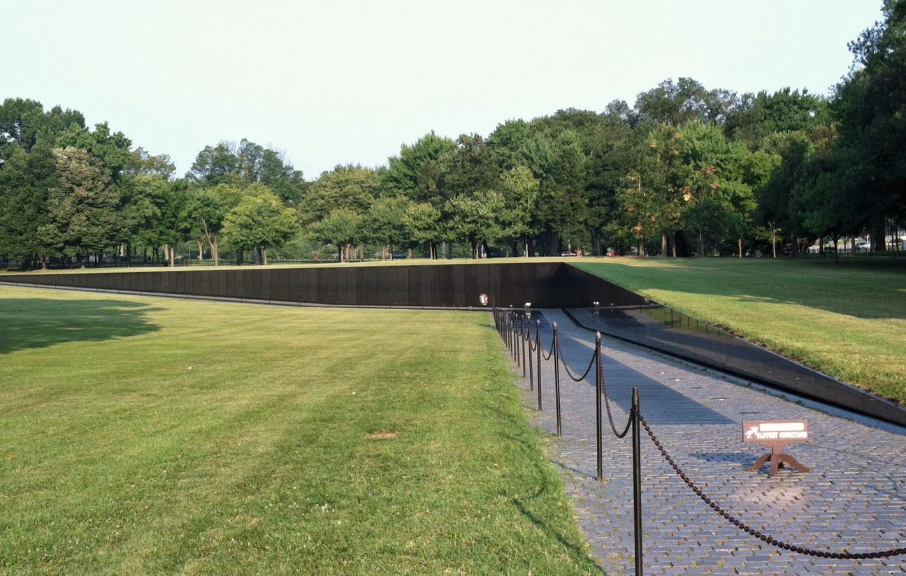 Wordless Wednesday The Vietnam Wall